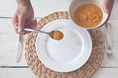 Cuoco unico che cucina foto Fotografie Stock Libere da Diritti