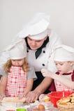 Cuoco unico con i bambini Fotografie Stock Libere da Diritti