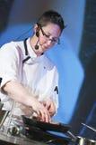 Cuoco unico a cucinare dimostrazione Immagini Stock