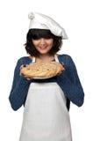 Cuoco unico della donna con la torta fotografie stock libere da diritti