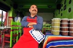 Cuoco unico messicano del ristorante Immagini Stock