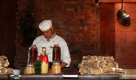 Cuoco unico nella cucina Fotografia Stock