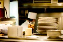 Cuoco unico occupato Fotografie Stock Libere da Diritti
