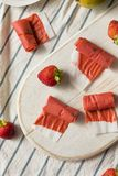 Cuoio casalingo dolce della frutta della fragola fotografia stock