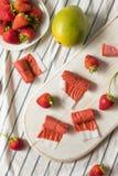 Cuoio casalingo dolce della frutta della fragola immagini stock