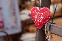 Cuore alsaziano decorativo nella via Immagini Stock