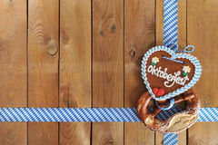 Cuore bavarese del pan di zenzero di Oktoberfest immagini stock libere da diritti