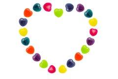 Cuore Candy messo nella forma del cuore per il biglietto di S. Valentino Fotografia Stock Libera da Diritti