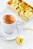 Cuore casalingo della caramella di cioccolata bianca Fotografie Stock Libere da Diritti