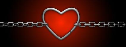 Cuore d'argento e catena isolati su colore rosso Immagini Stock Libere da Diritti