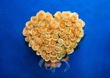 Cuore dalle rose Immagini Stock