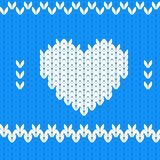 Cuore decorativo tricottato del biglietto di S. Valentino del tessuto Immagine Stock