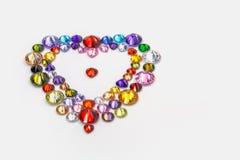 cuore decorato con i diamanti variopinti per il giorno di S. Valentino Immagini Stock