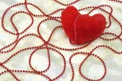 Cuore del biglietto di S. Valentino rosso, cartolina d'auguri Immagini Stock