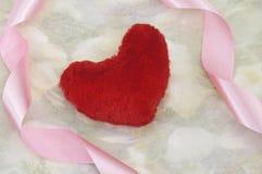 Cuore del biglietto di S. Valentino rosso, cartolina d'auguri Fotografia Stock