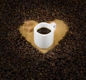 Cuore del caffè con la tazza Fotografia Stock Libera da Diritti