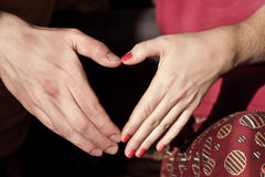 Cuore del modulo delle mani Fotografia Stock Libera da Diritti