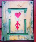 Cuore del segno del wc delle donne del segno della toilette Fotografia Stock Libera da Diritti