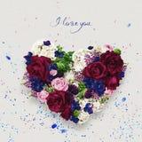 Cuore delle rose del chiaretto il giorno dei biglietti di S. Valentino della st Fotografia Stock