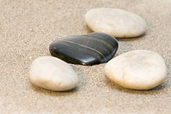 Cuore di pietra nero Immagine Stock