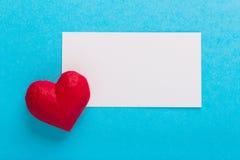 Cuore e carte Giorno del ` s del biglietto di S. Valentino di amore Immagine Stock Libera da Diritti
