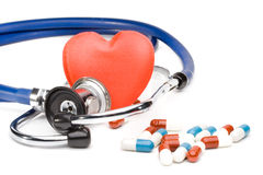 Cuore e uno stetoscopio Fotografie Stock