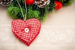 Cuore fatto a mano per la decorazione di Natale Fotografia Stock Libera da Diritti