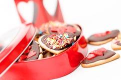 Cuore isolato del biscotto del biglietto di S. Valentino del pan di zenzero Fotografia Stock Libera da Diritti