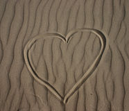Cuore nella sabbia Fotografie Stock