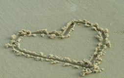 Cuore nella sabbia Immagine Stock Libera da Diritti
