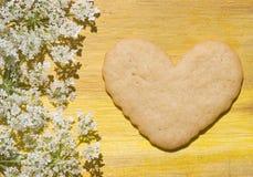 Cuore per il biscotto del biglietto di S. Valentino Fotografia Stock Libera da Diritti