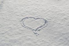 Cuore romantico dei biglietti di S. Valentino attinto l'amore della neve Immagini Stock Libere da Diritti