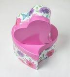 Cuore rosa del contenitore di regalo a forma di Fotografie Stock Libere da Diritti