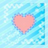 Cuore rosa del pizzo su fondo blu Immagine Stock Libera da Diritti