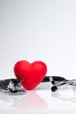 Cuore rosso con lo stetoscopio Immagine Stock Libera da Diritti