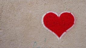 Cuore rosso dei graffiti immagine stock