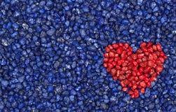 Cuore rosso su priorità bassa blu Fotografia Stock Libera da Diritti