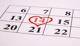 Cuore rosso sul calendario Fotografia Stock Libera da Diritti