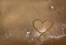 Cuore in sabbia Immagine Stock Libera da Diritti