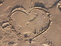 Cuore sulla spiaggia Amore, emozioni, simbolo immagini stock libere da diritti