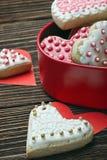 Cuori al forno per il daym del biglietto di S. Valentino di Fotografia Stock