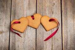 Cuori del pan di zenzero per Valentine Day Fotografia Stock