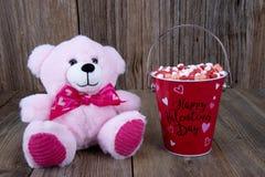 Cuori di Candy di giorno di biglietti di S. Valentino immagini stock