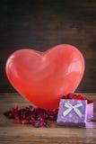 Cuori e fiori per il San Valentino Immagini Stock Libere da Diritti