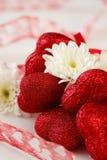 Cuori e fiori romantici Fotografia Stock Libera da Diritti