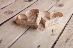Cuori in forma di cuore dei biglietti di S. Valentino della st del ritaglio Fotografie Stock