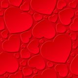 Cuori rossi su priorità bassa rossa Immagine Stock
