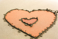 Cuori in sabbia Fotografie Stock Libere da Diritti