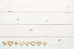 Cuori su fondo di legno Fotografia Stock Libera da Diritti