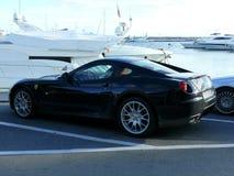 Cupé negro de Ferrari en Puerto Banus Fotos de archivo libres de regalías